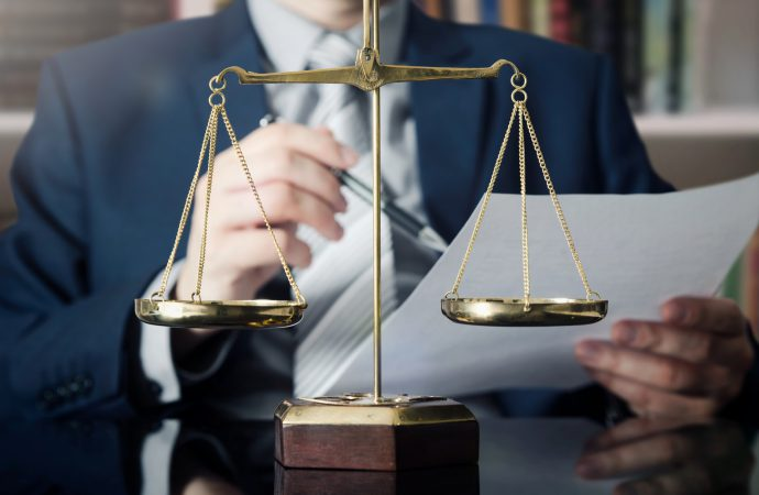 Kto nadaje się na adwokata?
