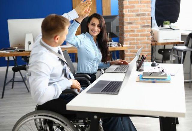 Praktyczny poradnik savoir vivre wobec osób niepełnosprawnych