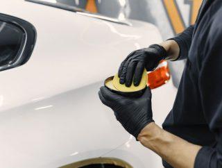 Chcesz mieć auto błyszczące jak z salonu? Zobacz jakie akcesoria mogą Ci się przydać